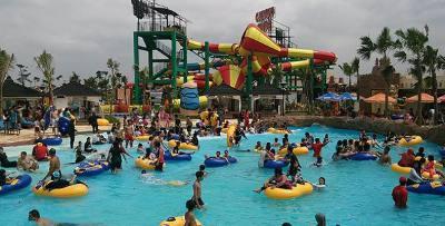 Waterpark Transera, salah satu fasilitas di Kota Harapan Indah