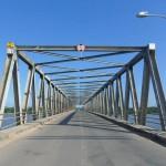 Jembatan konvensional dengan sistem plat beton akan digantikan jembatan knock down