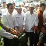 Presiden Jokowi meresmikan pembangunan jalan tol trans Sumatera
