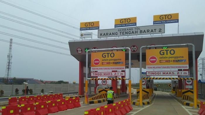 Gerbang tol Karang Tengah 2