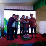 Topping Off Apartemen Grand Icon