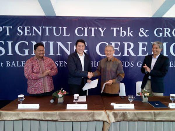 Penandatangan kerjasama antara sentul city dengan Group 70 international