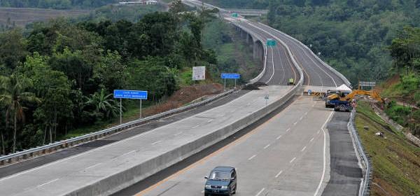 pembangunan jalan tol Semarang-Solo