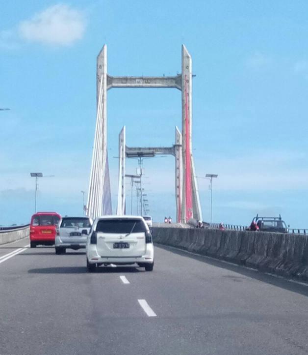 Jembatan Merah Putih, Kota Ambon (Maluku). (Foto: Yudiasis Iskandar/HousingEstate).
