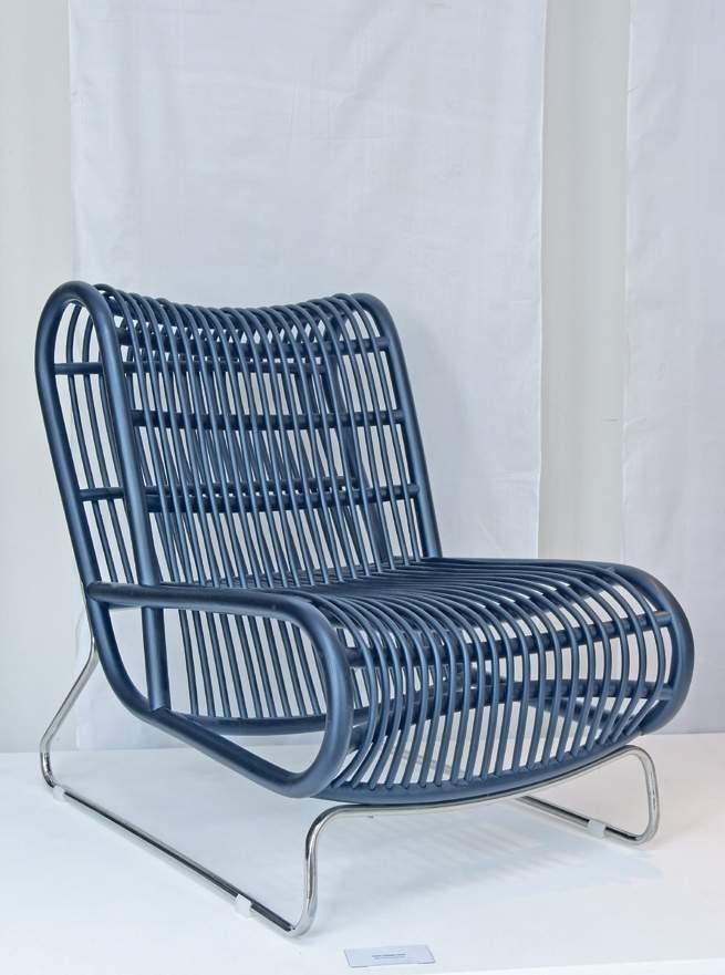4 Loop Lounge chair