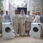 Peluncuran produk terbaru mesin cuci bukaan depan (front load) dari Electrolux khusus untuk mencuci hijab dan batik di Jakarta, Kamis (14/12/2017). (Foto: Dok. Electrolux)