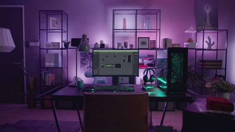 Philips Hue Sync menciptakan skenario pencahayaan ruang untuk game, film atau musik sesuai dengan yang diputar di komputer. (Foto: Dok. Philips Lighting)