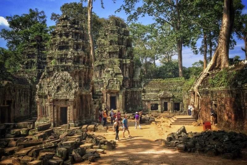 Ta Prohm Temple, bagian dari Angkor Wat temple complex di Siem Reap, Kamboja. (Foto: Khim Hoe Ng/Stockimo/Alamy)