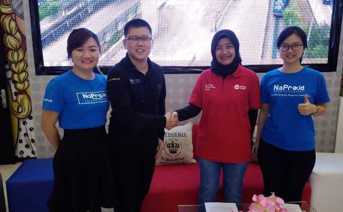 Veronica , Beny Saputro, dan Sandra dari NaPro serta Wahyuni dari APP (dua dari kanan). (Foto: dok APP)
