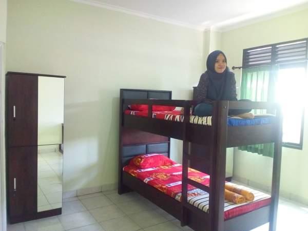 Unit untuk 2-4 orang dengan tempat tidur bertingkat di Rusunawa untuk mahasiswa UGM di Bayat, Klaten (foto: Yudiasis Iskandar/HousingEstate)