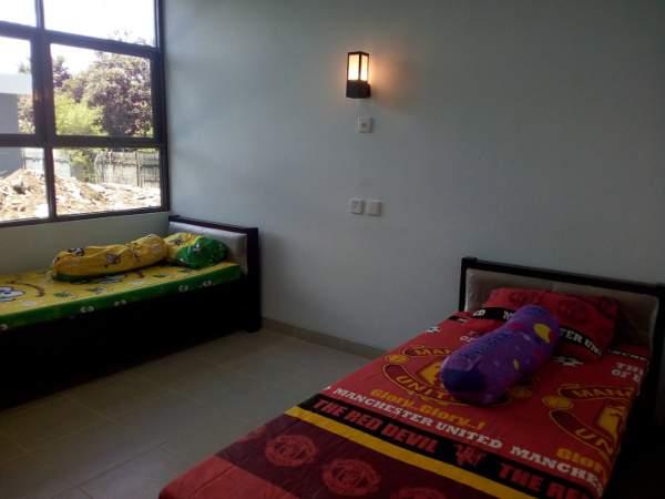 Unit untuk dua orang dengan tempat tidur standar di rusunawa untuk mahasiswa UGM di Bayat, Klaten (foto: Yudiasis Iskandar/HousingEstate)