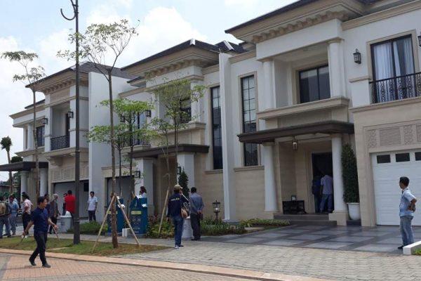 Deretan rumah contoh di klaster Jadaite BSD City (6.000 ha), Serpong, Tangerang (Banten), yang menggunakan sistem smart home. (Foto: HousingEstate/Diyah)