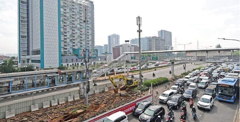 Proyek TOD mengintegrasikan proyek properti dengan transportasi massal seperti LRT di kawasan Cawang, Jakarta Timur