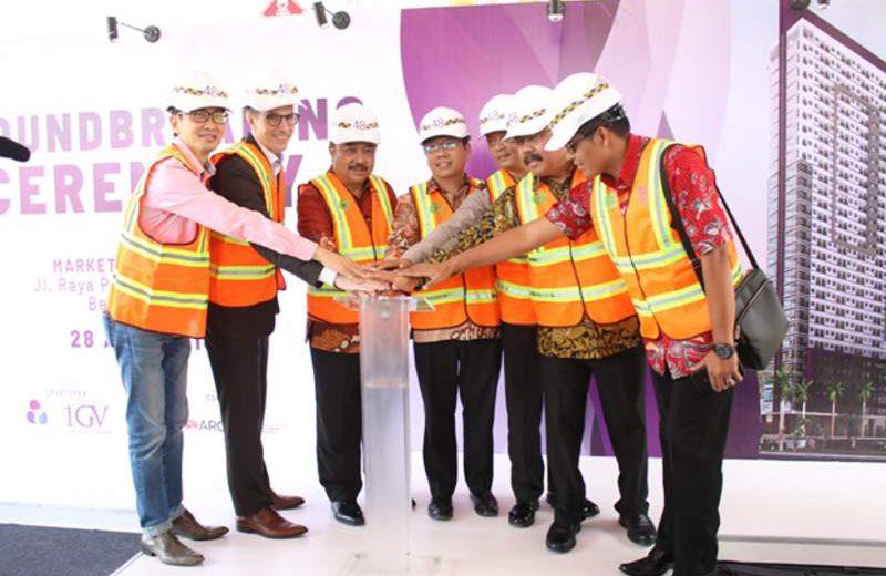 Prosesi peletakan batu pertama (ground breaking) apartemen Bekasi 48 City Center oleh jajaran direksi PT Graha Dinamika Persada (Indonesia) dan PT Global Vista Indonesia (Singapura) di Bekasi, Sabtu (28/4/2018). (Foto: Dok. Bekassi 48 City Center).