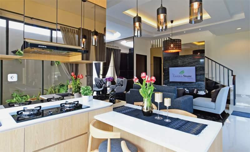 ruang makan kasual terbuka