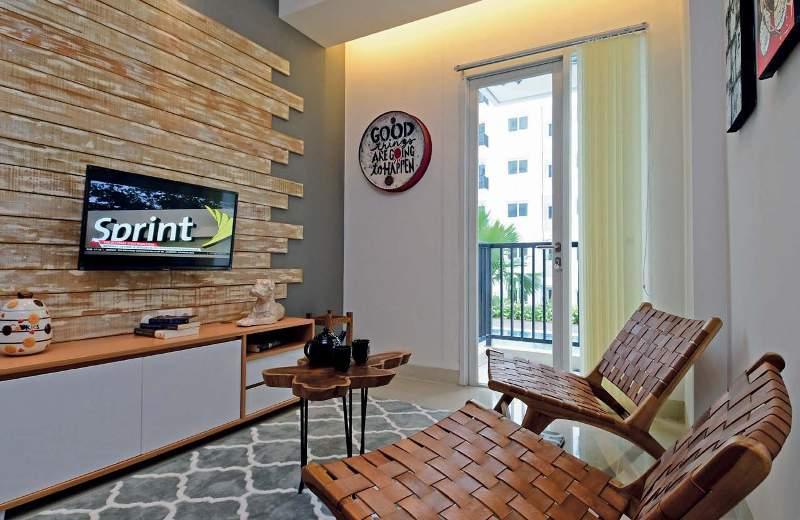 Lokasi: Apartemen Signature Park Grande, Jakarta Timur Tipe: Dua kamar (bed room/BR) 43 m2 Desainer Interior: Casa Dekora (Jakarta)