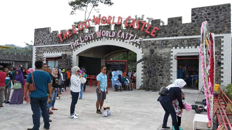 The Lost World Castle Tempat Selfi Yang Kian Populer Di Jogja