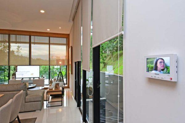 Ilustrasi penggunaan sistem smart home di perumahan Serenia Hills, Jakarta Selatan (foto: HousingEstate/Susilo Waluyo)